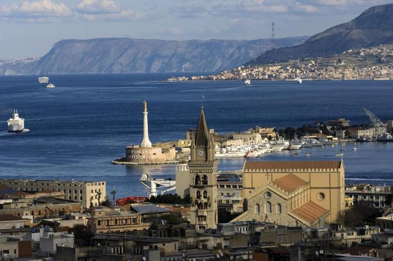 Messina - ingresso porto