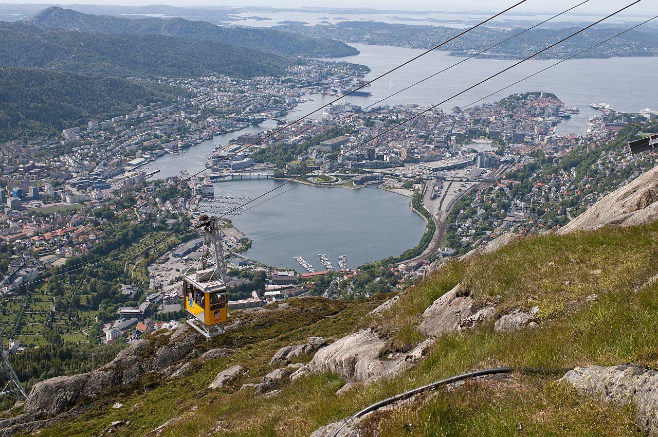 Monte Ulriken domina l'intero fiordo sino al Mar di Norvegia
