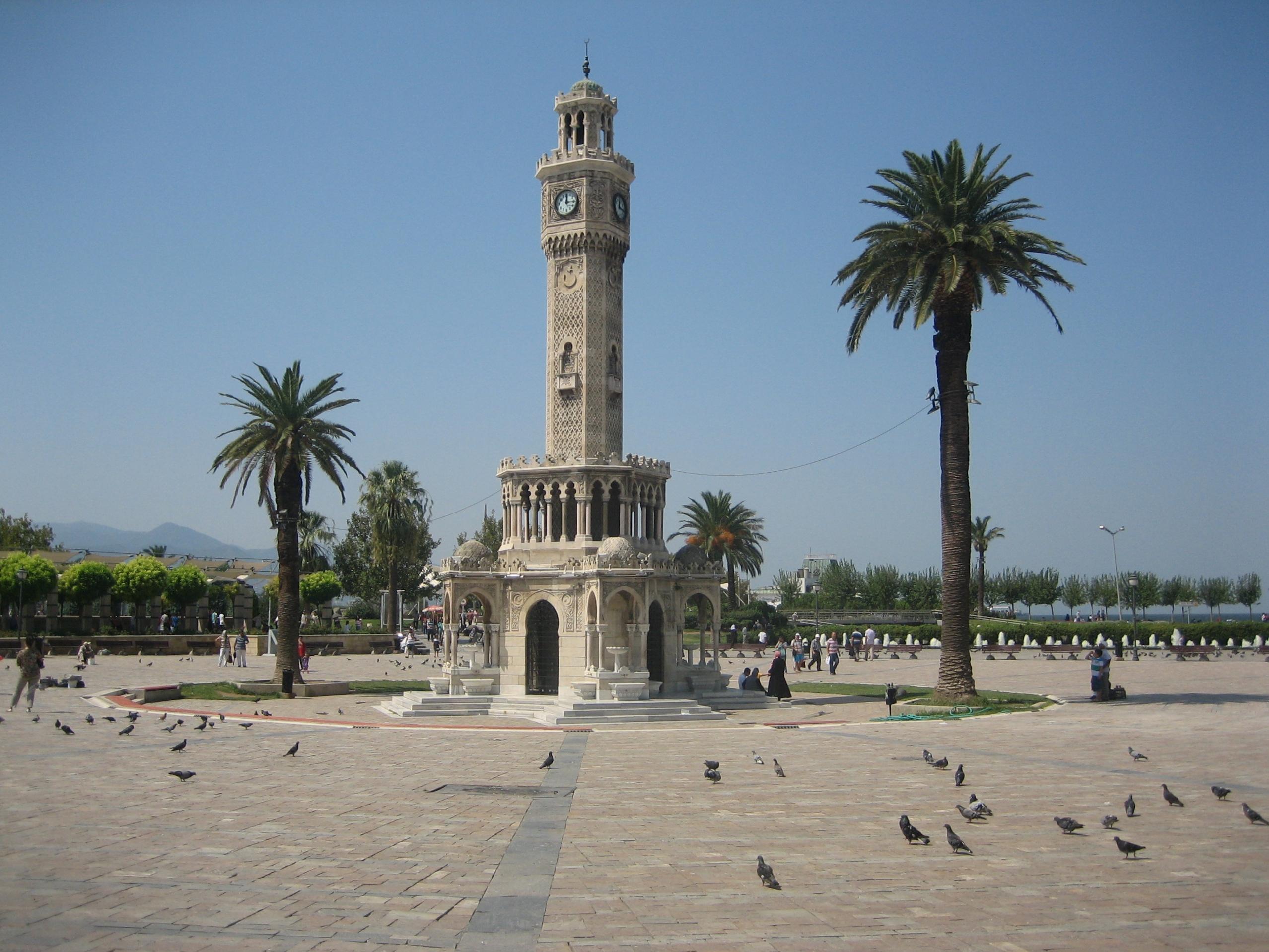 Izmir - torre dell'orologio - crociere nel cuore
