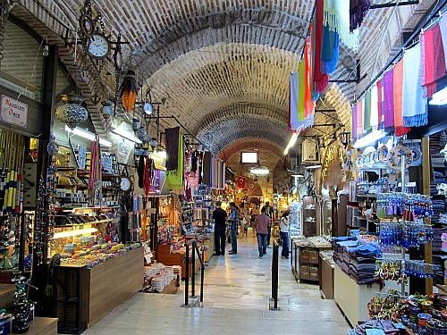Izmir - BAZAR KEMERALTI- crociere nel cuore