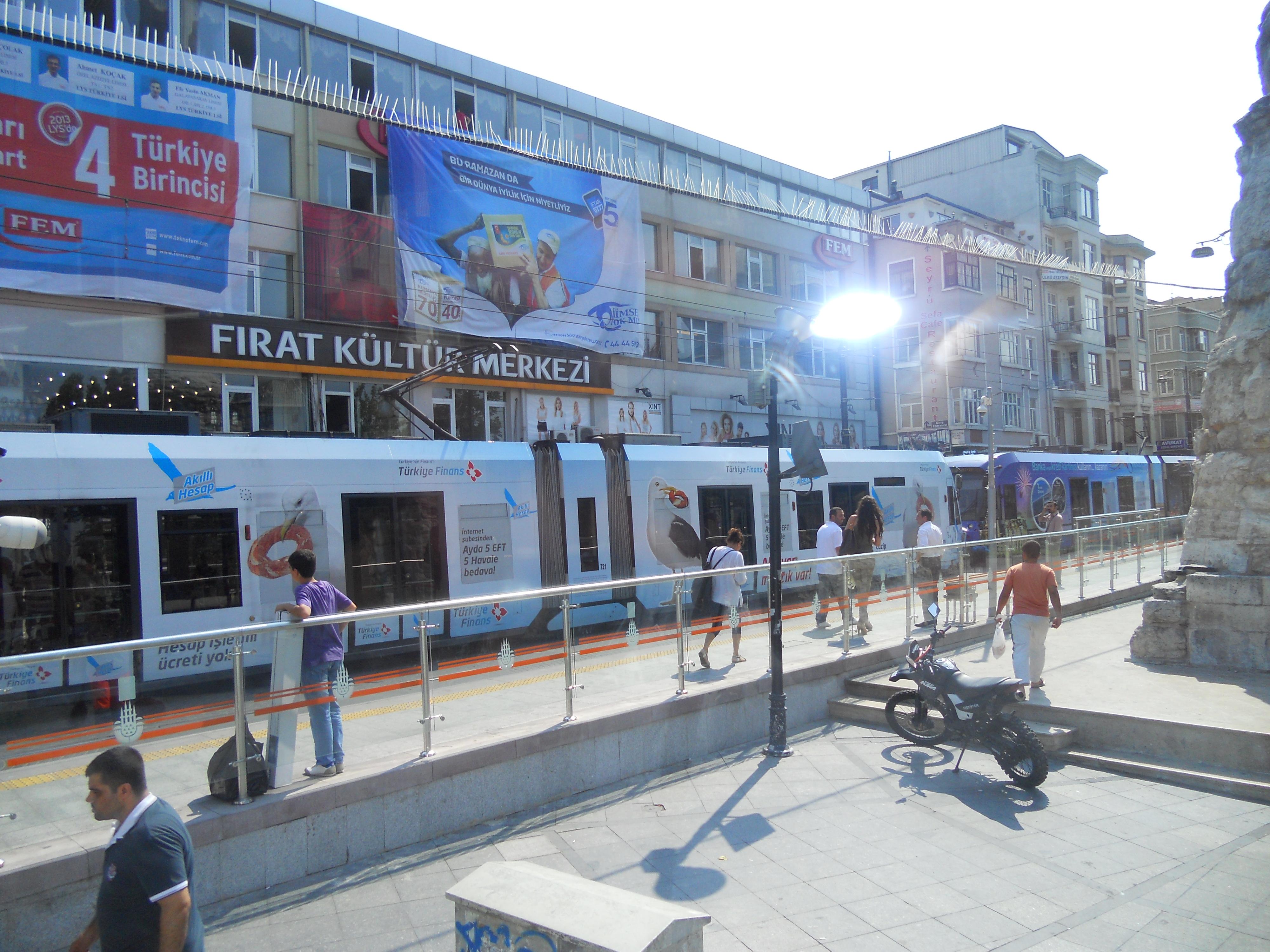 ISTANBUL - tram - crociere nel cuore