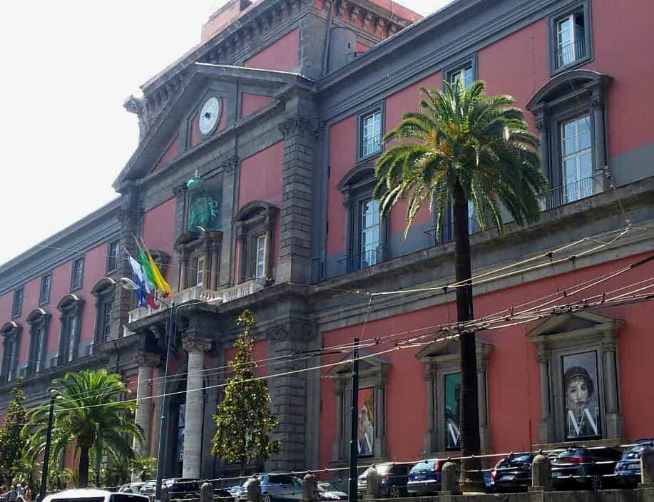 NAPOLI - MUSEO ARCHEOLOGICO