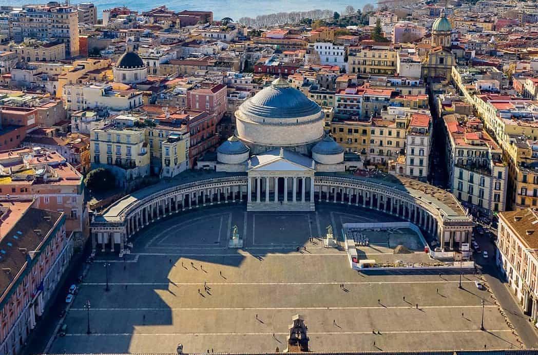 NAPOLI -Piazza del Plebiscito