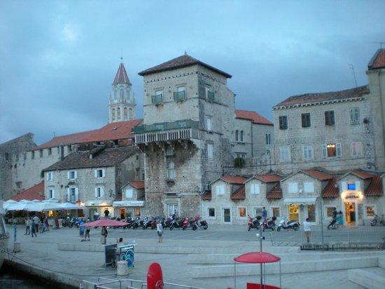 SPALATO- Visita alla città di Trogir, una città turistica ben nota situata a 25 km