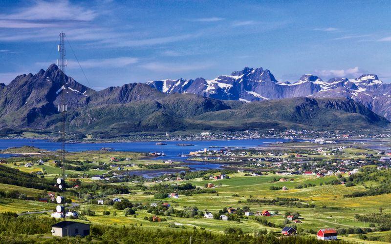 Leknes è il capoluogo amministrativo dell'isola di Vestvågøy. - Panorama