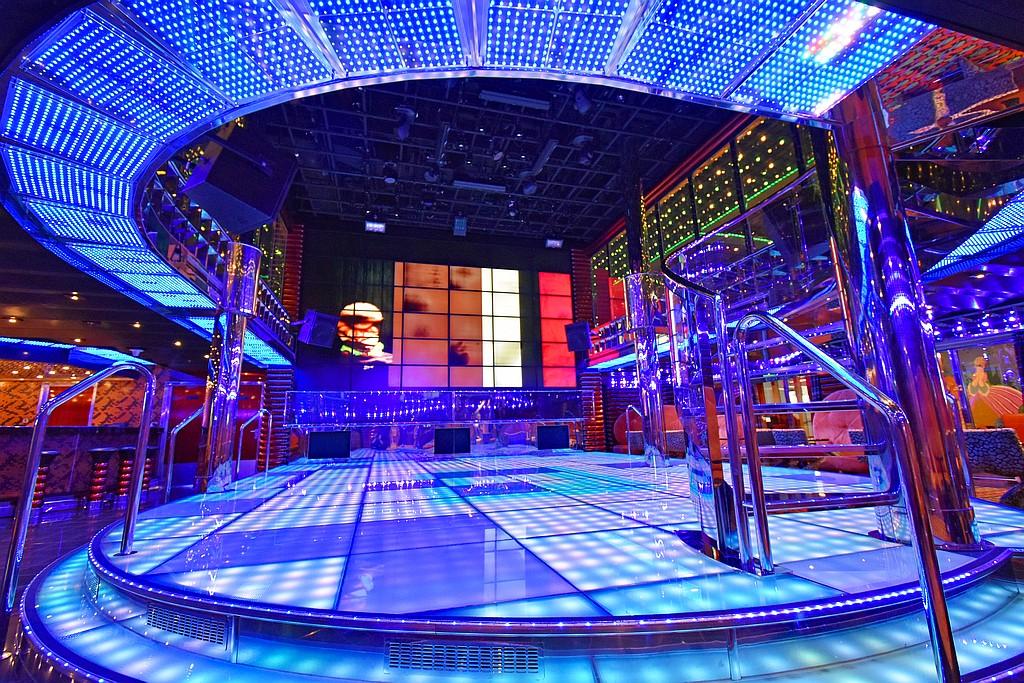 discoteca Etoile costa favolosa crociere nel cuore