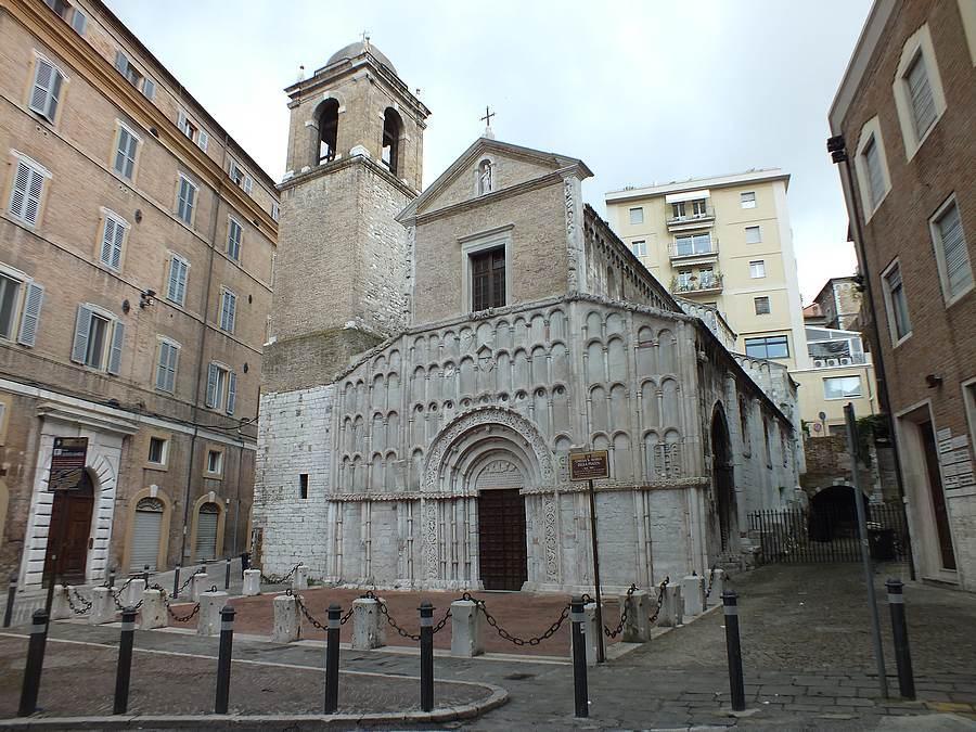 chiesa santa maria della piazza di ancona