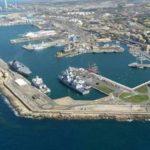 Isolato porto di Civitavecchia  per l'arrivo di Costa Victoria