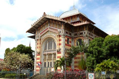 Biblioteca Schoelcher - Martinica