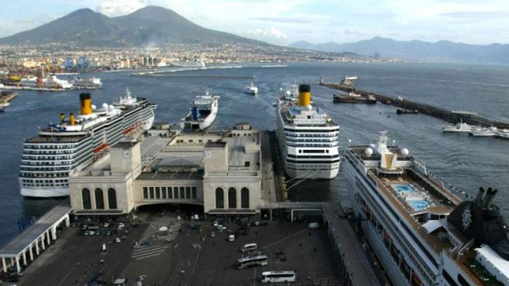 Il terminal di Napoli