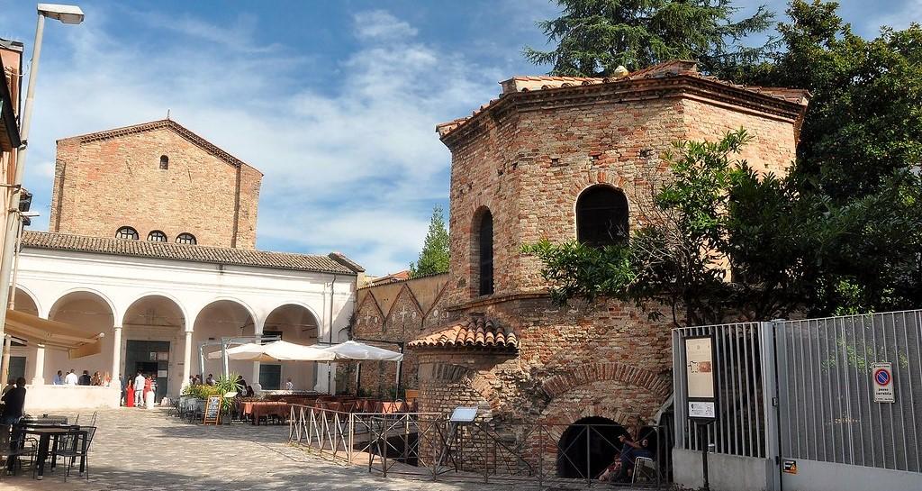 Ravenna - IL BATTISTERO DEGLI ARIANI