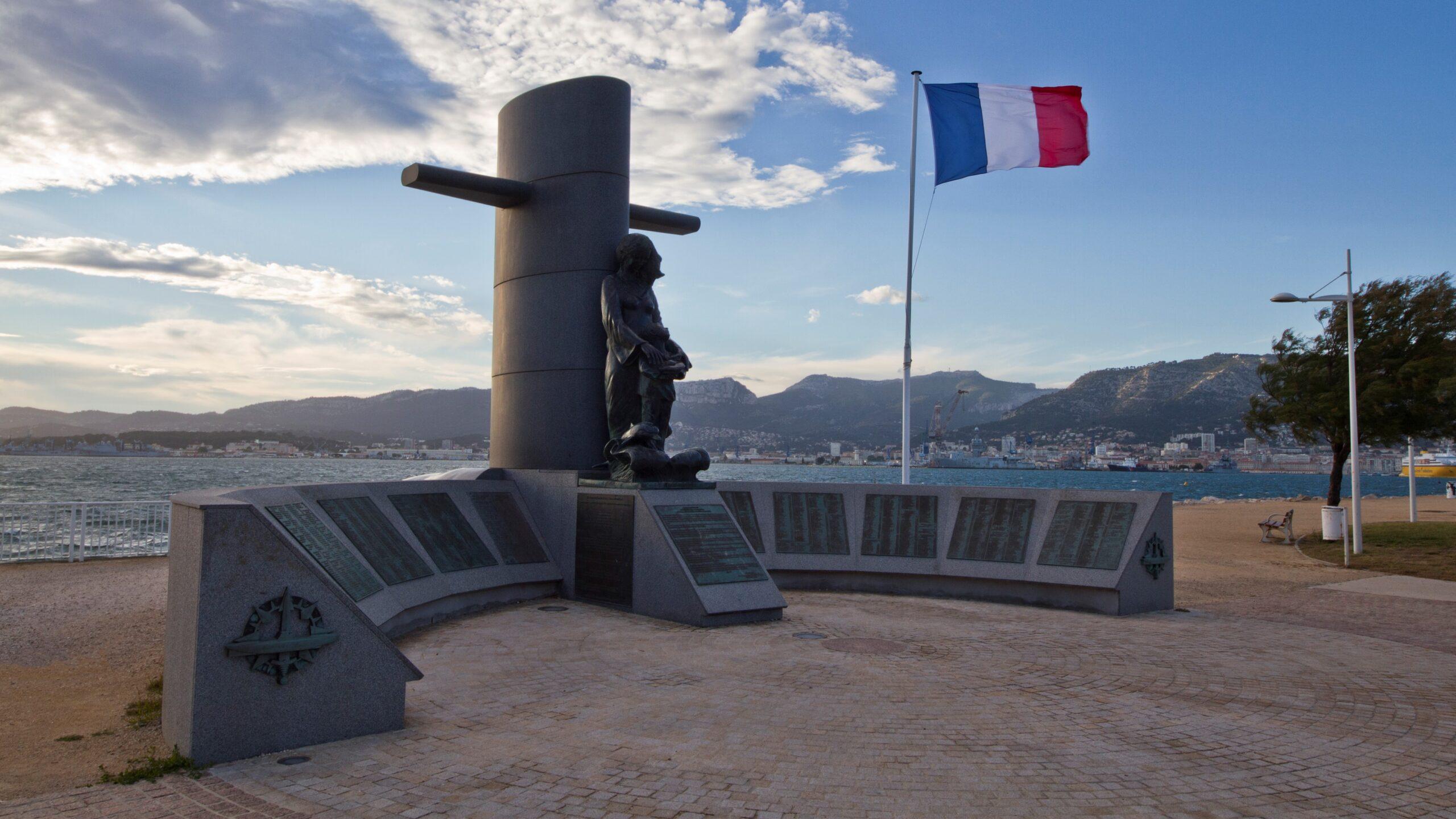 Monument national_des_Sous Mariniers Tolone
